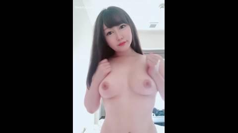 美乳Fカップ☆揉み応え抜群!!